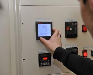 Vérification consommations électriques