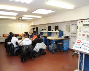 Salle systemes de mesure CFA Delepine