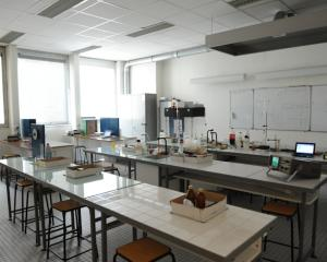 Salle physique-chimie CFA Delepine